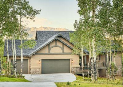 10) Woodland Cottage Front Driveway Aspen Trees Mountain View